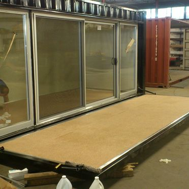 display-booth-with-sliding-doors-and-hydraulics-hydrolic-pic-2
